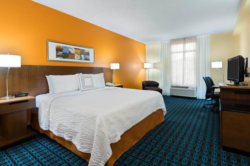 Hotéis bons e baratos em Clearwater: Hotel Fairfield Inn and Suites by Marriott - quarto