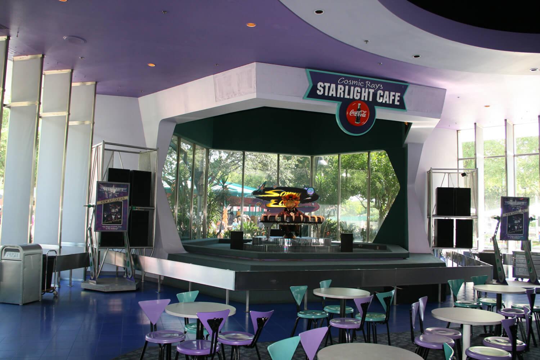 Como pedir comida pelo celular nos restaurantes da Disney Orlando: restaurante Cosmic Ray's Starlight Café