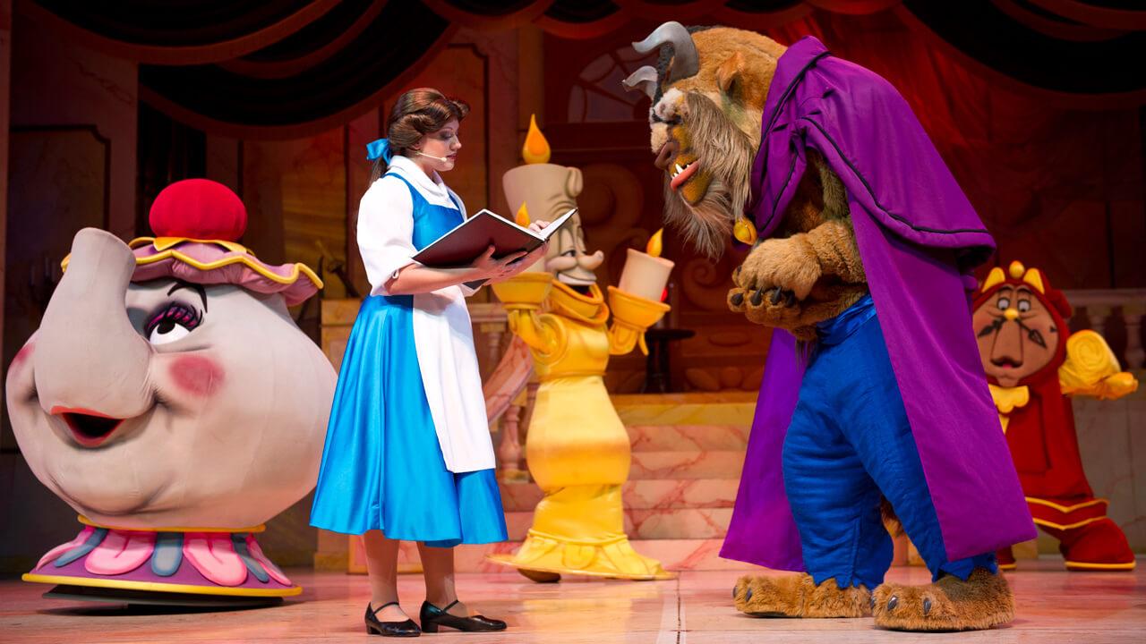 Espetáculo de A Bela e a Fera no Epcot da Disney Orlando: Beauty and the Beast Sing-Along