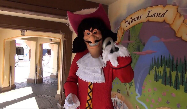 Atração com Capitão Gancho para crianças na Disney Orlando
