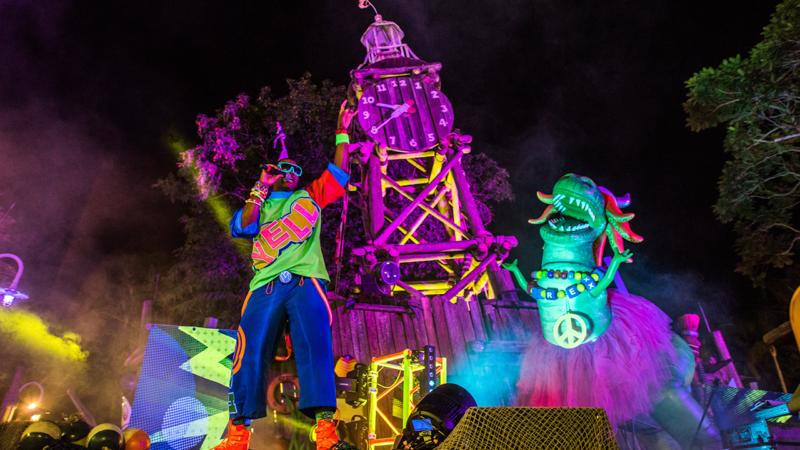 H2O Glow Nights no Typhoon Lagoon em Orlando: festa com DJ
