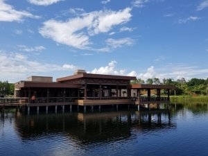 Restaurante Three Bridges Bar & Grill at Villa del Lago em Orlando