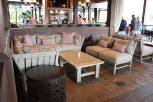 Restaurante Three Bridges Bar & Grill at Villa del Lago em Orlando: interior do restaurante
