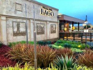 Restaurante Three Bridges Bar & Grill at Villa del Lago em Orlando: informações