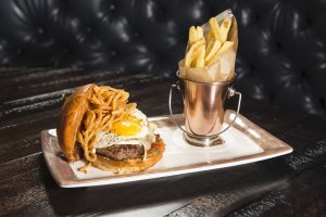 Toothsome Chocolate Emporium & Savory Feast Kitchen na Universal Orlando: comida