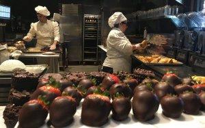 Toothsome Chocolate Emporium & Savory Feast Kitchen na Universal Orlando: cozinha