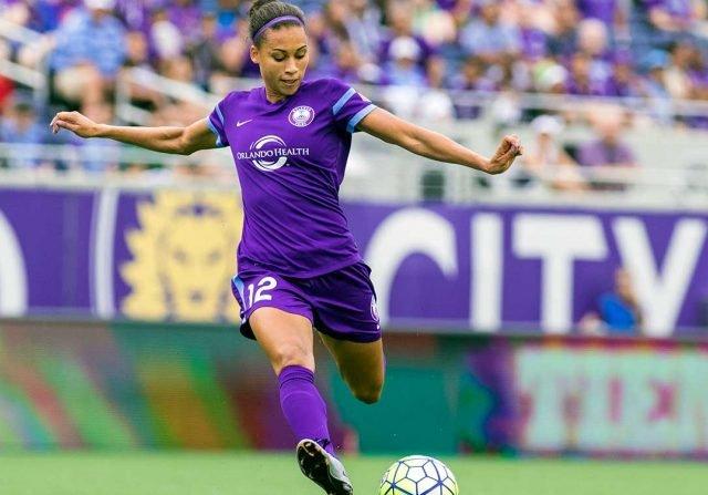 Assistir a um jogo de futebol feminino em Orlando