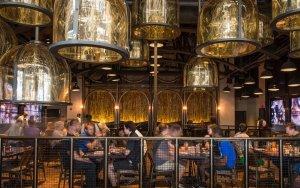 Toothsome Chocolate Emporium & Savory Feast Kitchen na Universal Orlando: interior