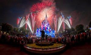 Show de fogos de artifício de 4 de julho no parque Magic Kingdom da Disney Orlando