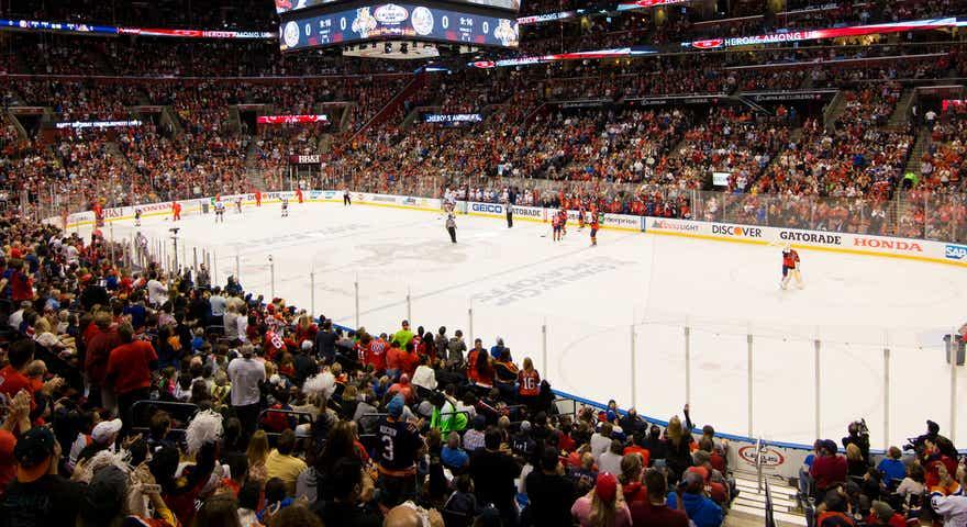 Assistir a uma partida de hóquei do Florida Panthers em Miami: estádio