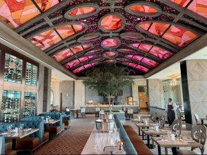 Restaurante Toledo – Tapas, Steak & Seafood na Disney Orlando: mesas
