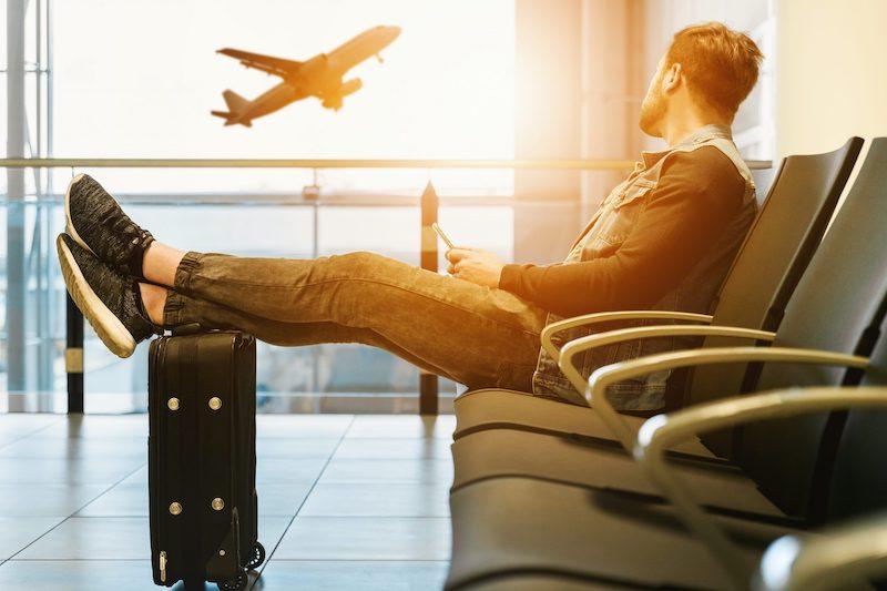 Passageiro esperando o voo